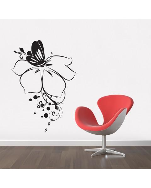 Цвете и пеперуда