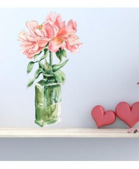 Букет божури в стъклена ваза