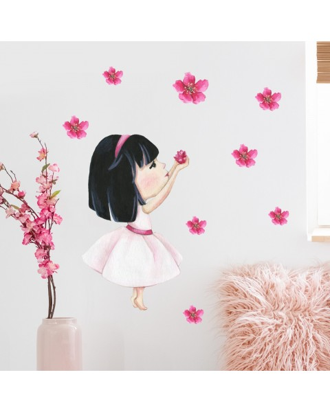 Момиче с цветя