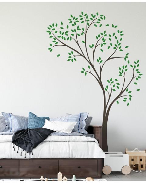 Дърво с цветни листа