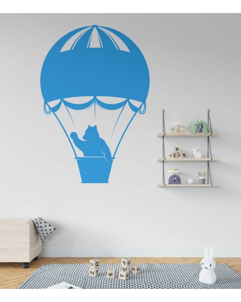 Мече в балон