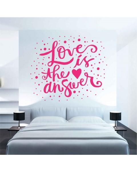 Надпис Love is the answer